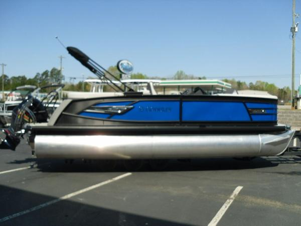 2021 Godfrey Pontoon boat for sale, model of the boat is AquaPatio 235 SBC iMPACT 29 in. Center Tube & Image # 27 of 46