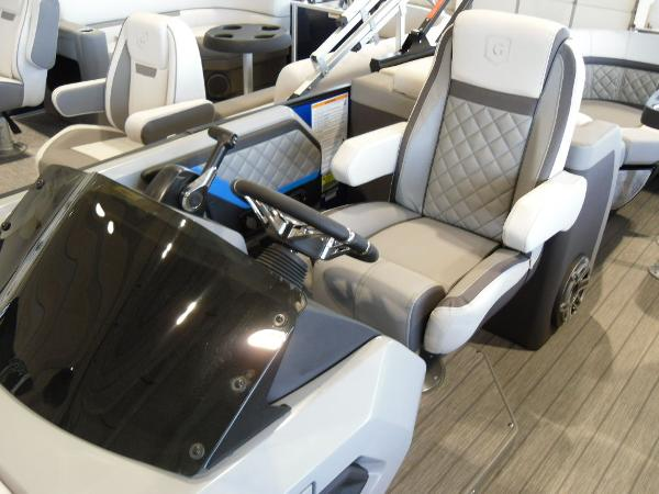 2021 Godfrey Pontoon boat for sale, model of the boat is AquaPatio 235 SBC iMPACT 29 in. Center Tube & Image # 32 of 46