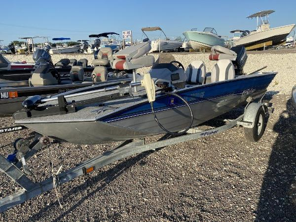 1994 Fisher boat for sale, model of the boat is Hawk 3V & Image # 1 of 6