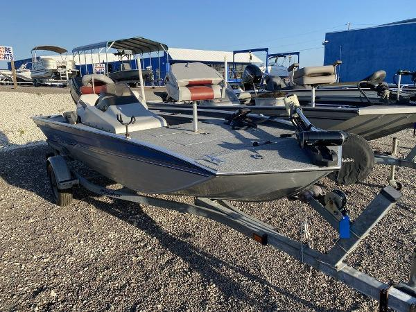 1994 Fisher boat for sale, model of the boat is Hawk 3V & Image # 4 of 6