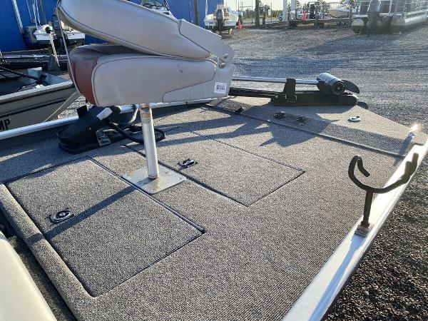 1994 Fisher boat for sale, model of the boat is Hawk 3V & Image # 6 of 6