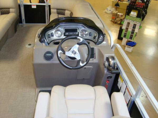 2020 Sun Tracker boat for sale, model of the boat is Party Barge® 22 RF DLX & Image # 11 of 28