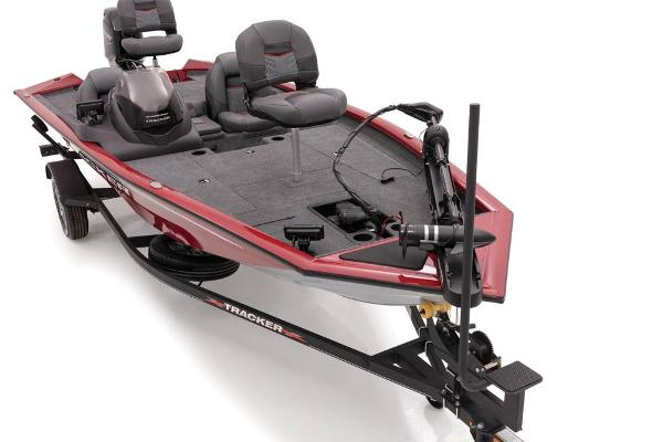 2021 Tracker Boats boat for sale, model of the boat is Pro Team 175 TXW Tournament Edition & Image # 13 of 38