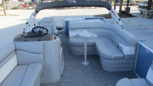 2021 Bennington boat for sale, model of the boat is 20 SS & Image # 11 of 44