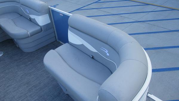 2021 Bennington boat for sale, model of the boat is 20 SS & Image # 13 of 44