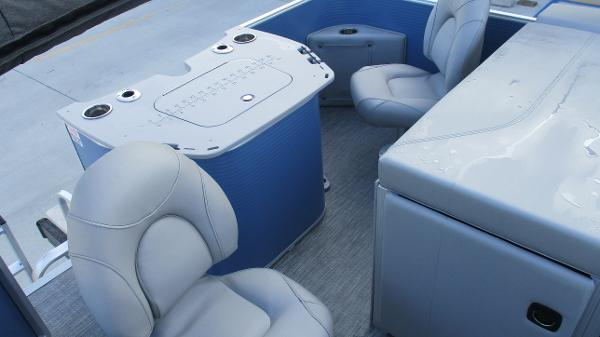 2021 Bennington boat for sale, model of the boat is 20 SS & Image # 16 of 44