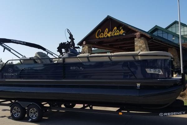 2021 Regency boat for sale, model of the boat is 250 LE3 Sport & Image # 1 of 7