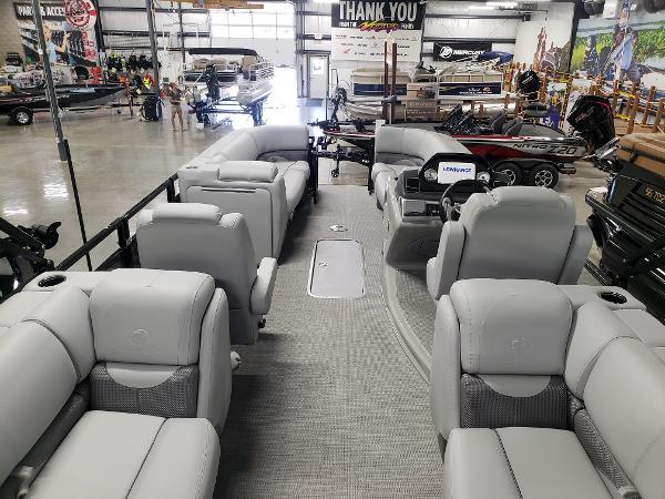 2021 Regency boat for sale, model of the boat is 230 DL3 & Image # 2 of 47