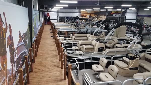 2021 Regency boat for sale, model of the boat is 230 DL3 & Image # 18 of 47