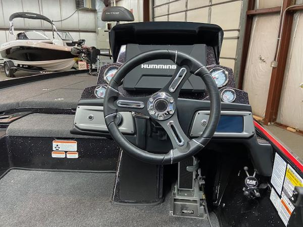 2020 Nitro boat for sale, model of the boat is Z21 Pro & Image # 4 of 11