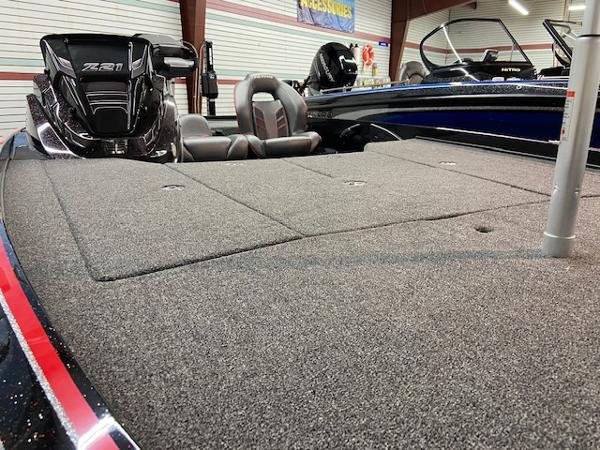 2020 Nitro boat for sale, model of the boat is Z21 Pro & Image # 8 of 11
