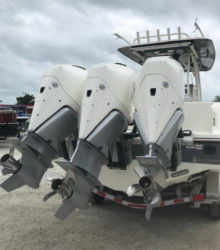 2019 Mako boat for sale, model of the boat is 334 CC Family Edition & Image # 2 of 33