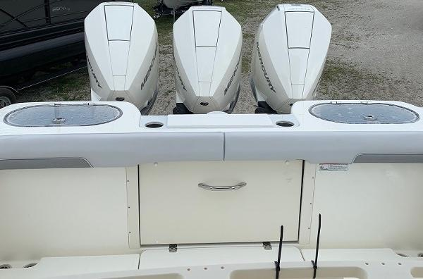2019 Mako boat for sale, model of the boat is 334 CC Family Edition & Image # 8 of 33