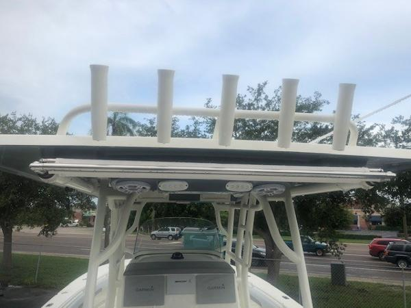 2019 Mako boat for sale, model of the boat is 334 CC Family Edition & Image # 24 of 33