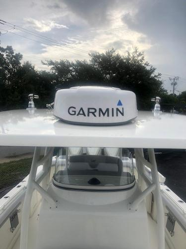 2019 Mako boat for sale, model of the boat is 334 CC Family Edition & Image # 23 of 33