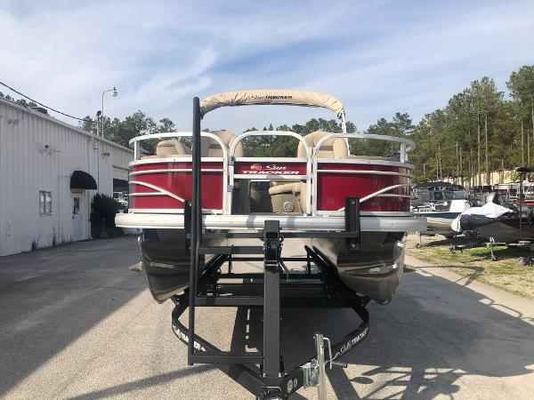2021 Sun Tracker boat for sale, model of the boat is FISHIN' BARGE® 20 DLX & Image # 6 of 31