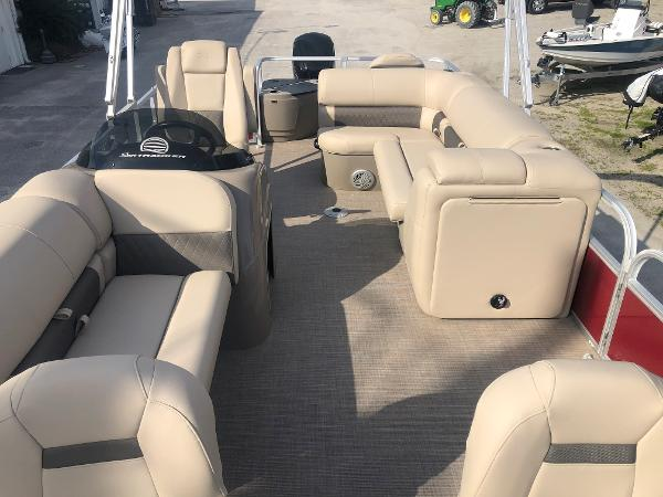 2021 Sun Tracker boat for sale, model of the boat is FISHIN' BARGE® 20 DLX & Image # 10 of 31