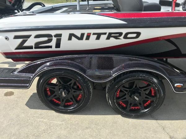 2016 Nitro boat for sale, model of the boat is Z21 & Image # 13 of 17