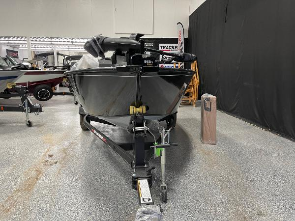 2021 Tracker Boats boat for sale, model of the boat is Pro Guide™ V-16 SC & Image # 2 of 16