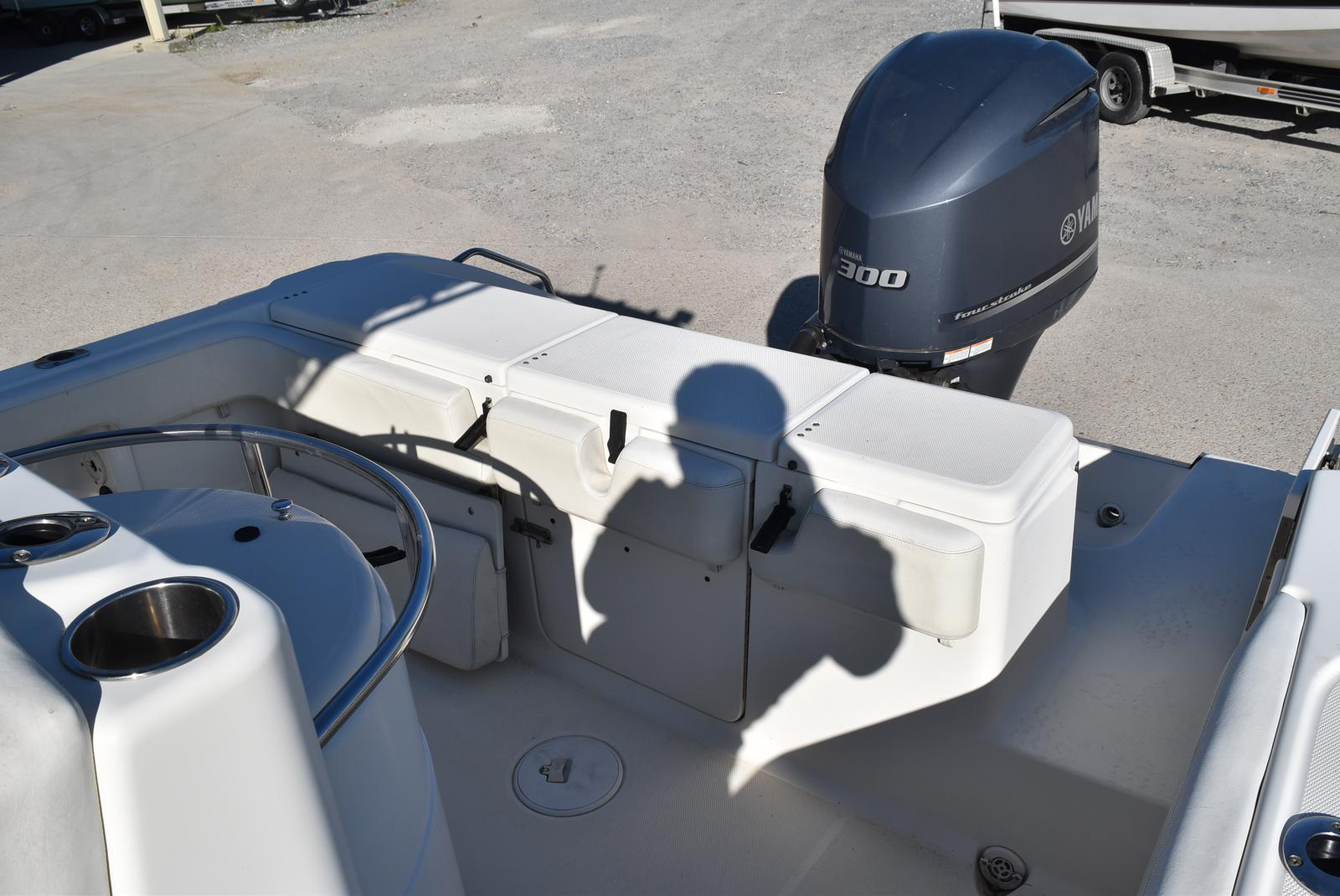 2006 Triton boat for sale, model of the boat is 2486 & Image # 17 of 24