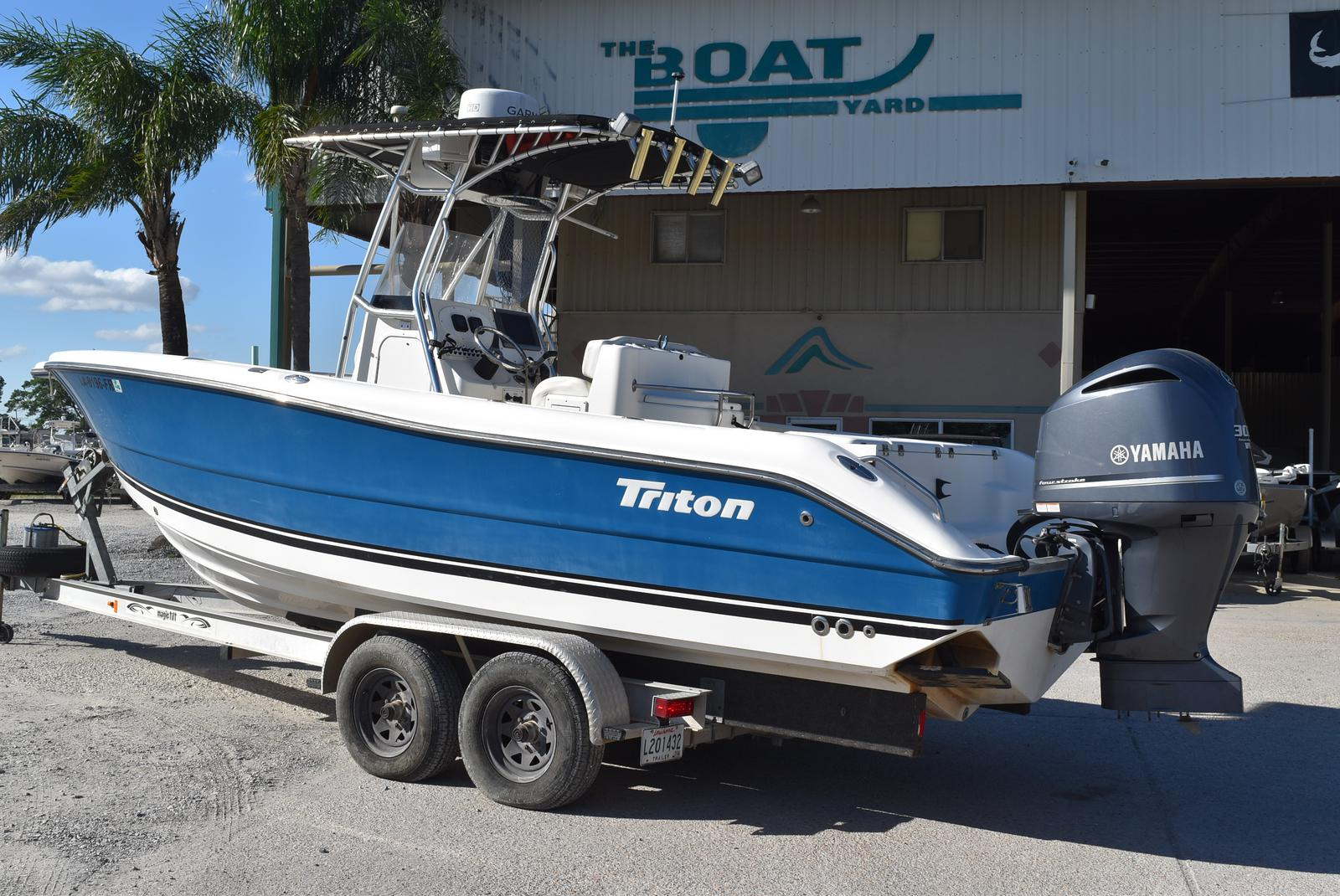 2006 Triton boat for sale, model of the boat is 2486 & Image # 10 of 24