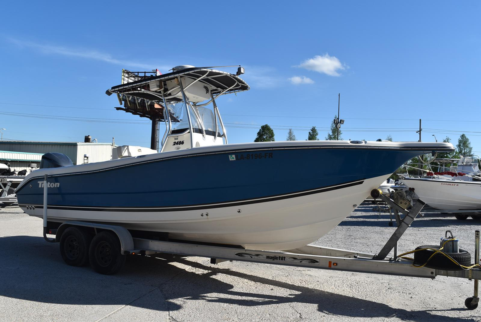 2006 Triton boat for sale, model of the boat is 2486 & Image # 11 of 24