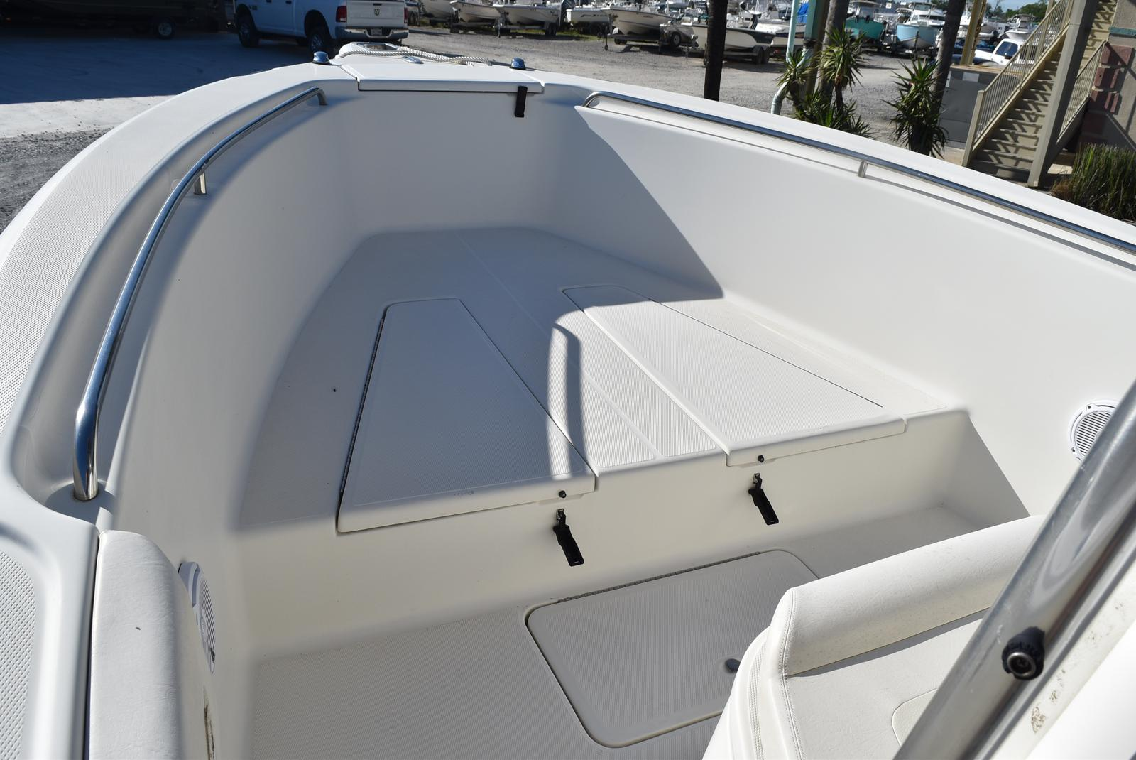 2006 Triton boat for sale, model of the boat is 2486 & Image # 5 of 24