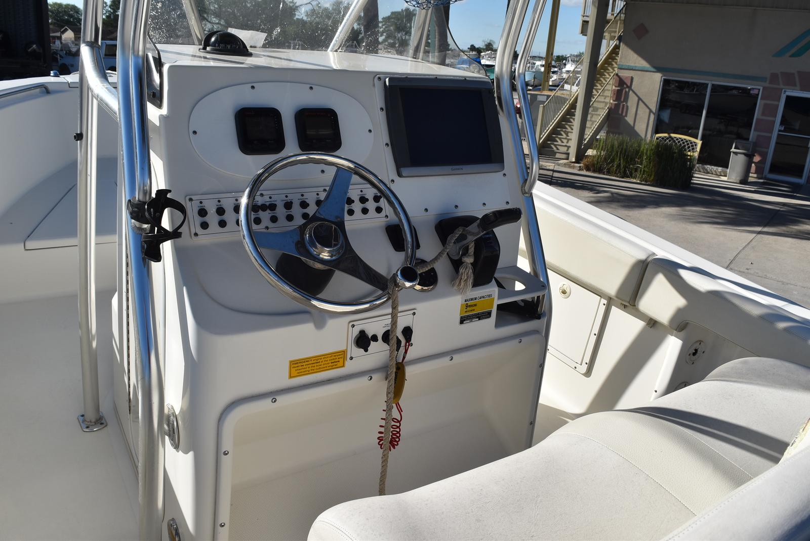 2006 Triton boat for sale, model of the boat is 2486 & Image # 13 of 24