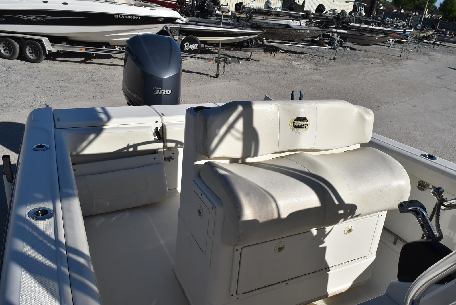 2006 Triton boat for sale, model of the boat is 2486 & Image # 23 of 24