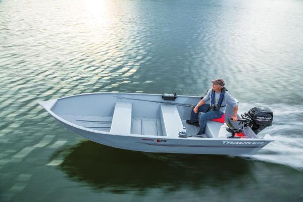 2019 Tracker Boats boat for sale, model of the boat is Guide V-14 Deep V & Image # 7 of 17