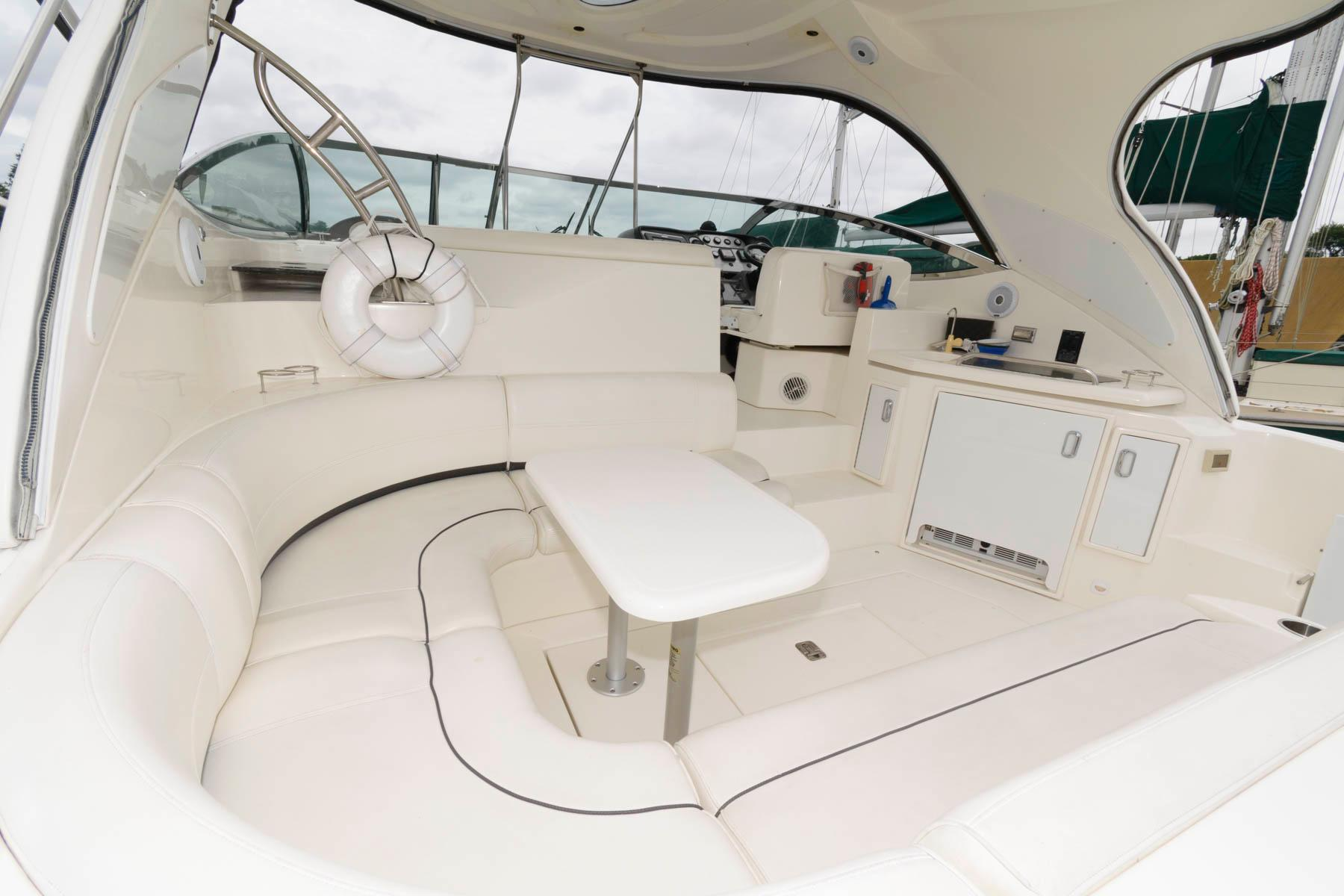 M 6375 KB Knot 10 Yacht Sales