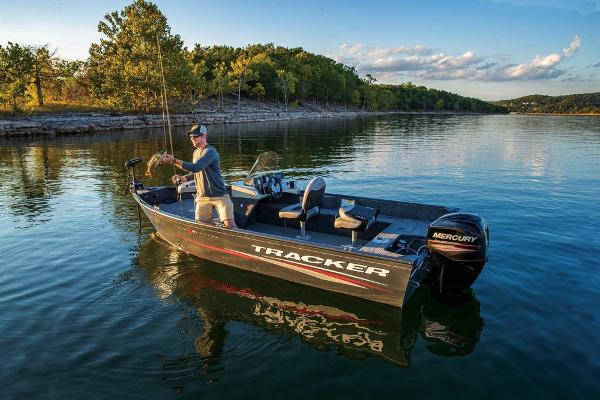 2019 Tracker Boats boat for sale, model of the boat is Pro Guide V-16 SC & Image # 4 of 36