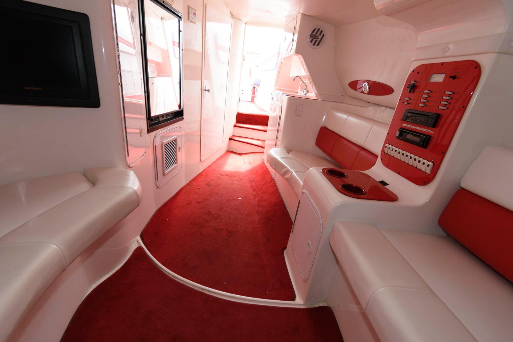 M 6373 WT Knot 10 Yacht Sales