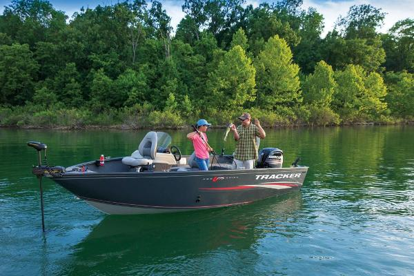 2019 Tracker Boats boat for sale, model of the boat is Pro Guide V-175 SC & Image # 4 of 16
