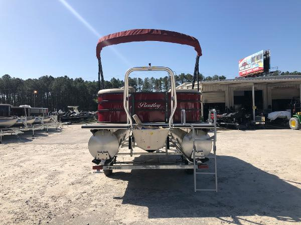 2021 Bentley boat for sale, model of the boat is 200 Navigator & Image # 2 of 31