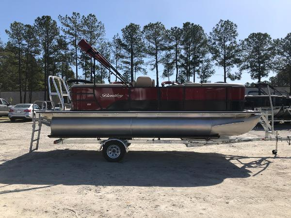 2021 Bentley boat for sale, model of the boat is 200 Navigator & Image # 4 of 31