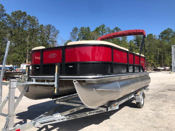 2021 Bentley boat for sale, model of the boat is 200 Navigator & Image # 1 of 31
