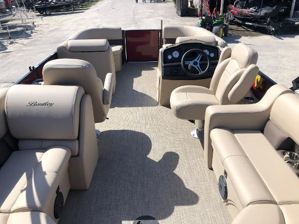 2021 Bentley boat for sale, model of the boat is 200 Navigator & Image # 9 of 31