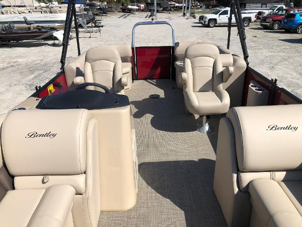 2021 Bentley boat for sale, model of the boat is 200 Navigator & Image # 10 of 31