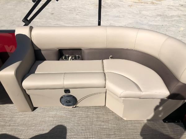 2021 Bentley boat for sale, model of the boat is 200 Navigator & Image # 28 of 31