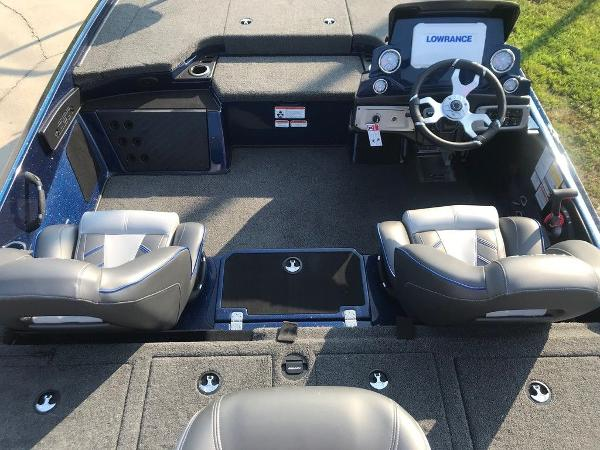 2022 Nitro boat for sale, model of the boat is Z20 Pro & Image # 9 of 13