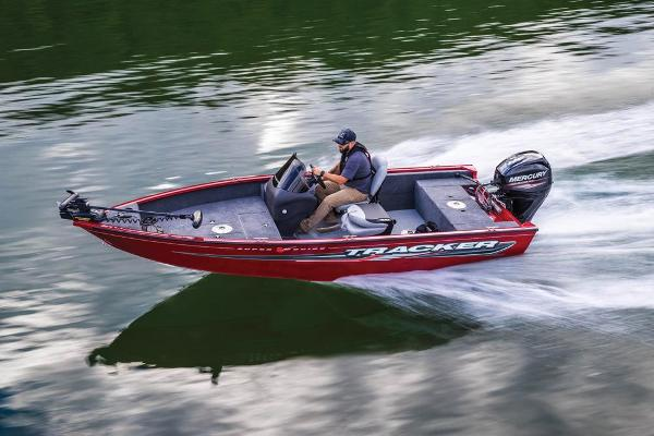 2019 Tracker Boats boat for sale, model of the boat is Super Guide V-16 SC & Image # 3 of 19