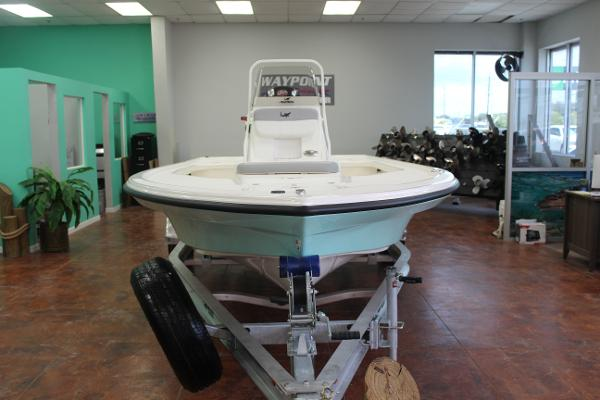 2022 Mako boat for sale, model of the boat is 18 LTS & Image # 2 of 12