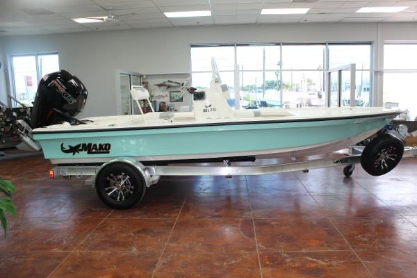 2022 Mako boat for sale, model of the boat is 18 LTS & Image # 3 of 12
