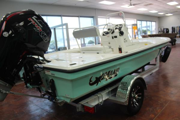 2022 Mako boat for sale, model of the boat is 18 LTS & Image # 4 of 12
