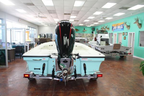 2022 Mako boat for sale, model of the boat is 18 LTS & Image # 5 of 12