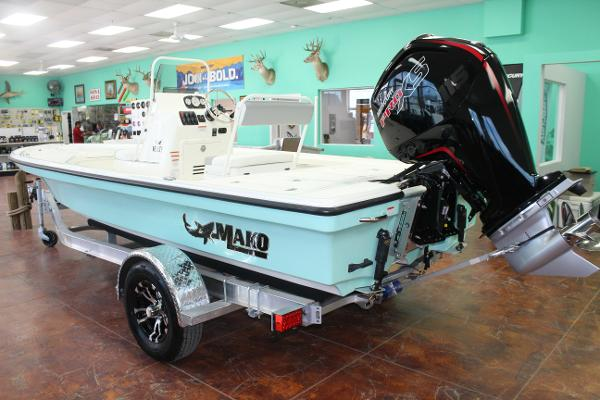 2022 Mako boat for sale, model of the boat is 18 LTS & Image # 6 of 12