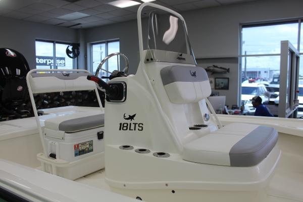 2022 Mako boat for sale, model of the boat is 18 LTS & Image # 9 of 12