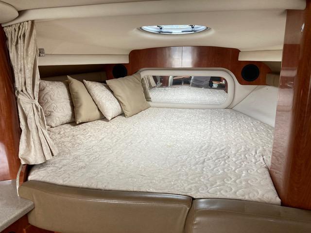 DC 6176 TW Knot 10 Yacht Sales