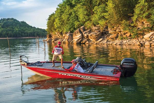 2019 Tracker Boats boat for sale, model of the boat is Pro Team 195 TXW Tournament Edition & Image # 5 of 22
